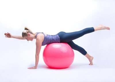 Postural ball posture statique bras et jambe Grosbreuil et Les Sables d'Olonne